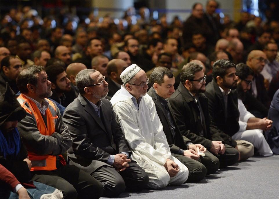 funerailles-mosquee-Quebec-14367134-credit-Paul-Chiasson-CP-NO_REUSE.jpg